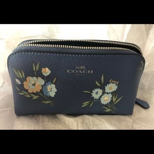 💙Coach Tossed Daisy Cosmetic 17 Bag💙